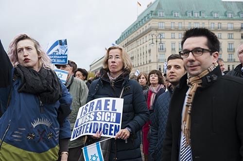 Pariser Platz - Kundgebung Terror und Hass entgegentreten-Berlin fuer Israel Hadas-Handels- man-L.Suesskind-D.Berger u.a.