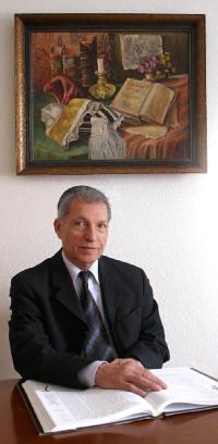 Dr. Gabriel Miller