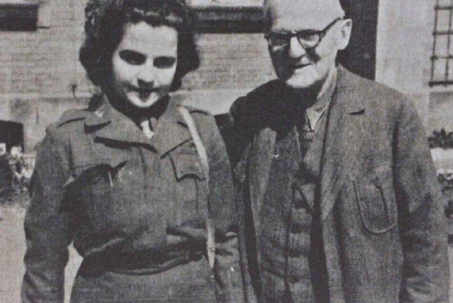 Im Herbst 1945 besuchte Celia (Cilly) Treitel ihren Onkel Richard im DP-Camp 7 Deggendorf. (Foto: Jüd. Museum Berlin)