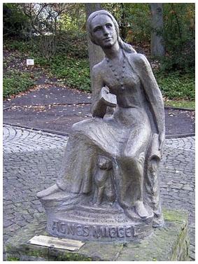 Agnes Miegel Denkmal, (c) Wikipedia, Tortuosa