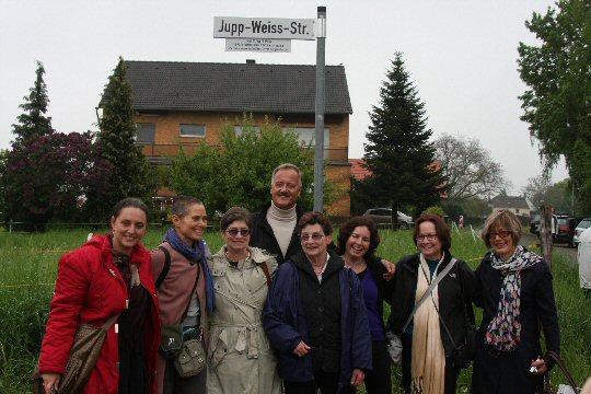 Die aus dem Ausland angereisten Verwandten von Jupp Weiss
