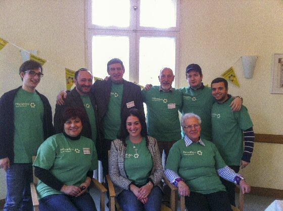 Freiwillige des Mitzvah Day Einführungsseminars 2012 im Jüdischen Seniorenzentrum Berlin