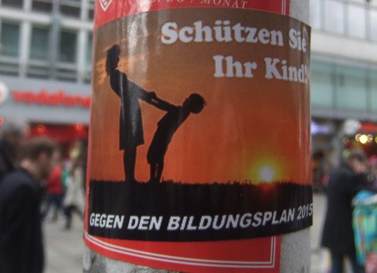 Sticker im Umfeld der homophoben Demonstration in Stuttgart am 01.03.