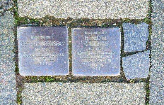 Die Stolpersteine für Esther und Herschel Grünspan