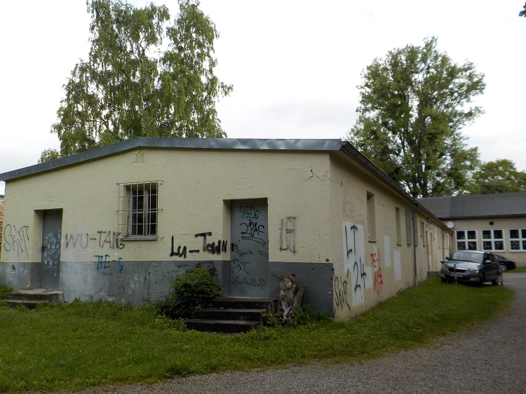 Letzte erhaltene Baracke des KZ-Außenlagers Dachau-Allach