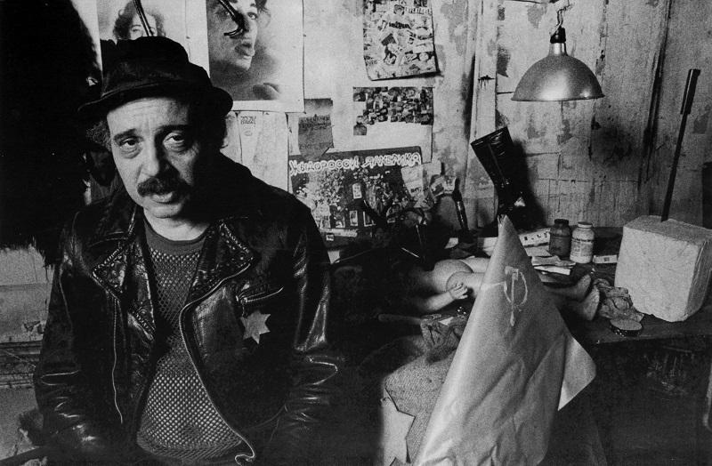 Boris Lurie in seinem New Yorker Atelier, 1977 © Boris Lurie Art Foundation, New York – Foto: Joseph Schneberg