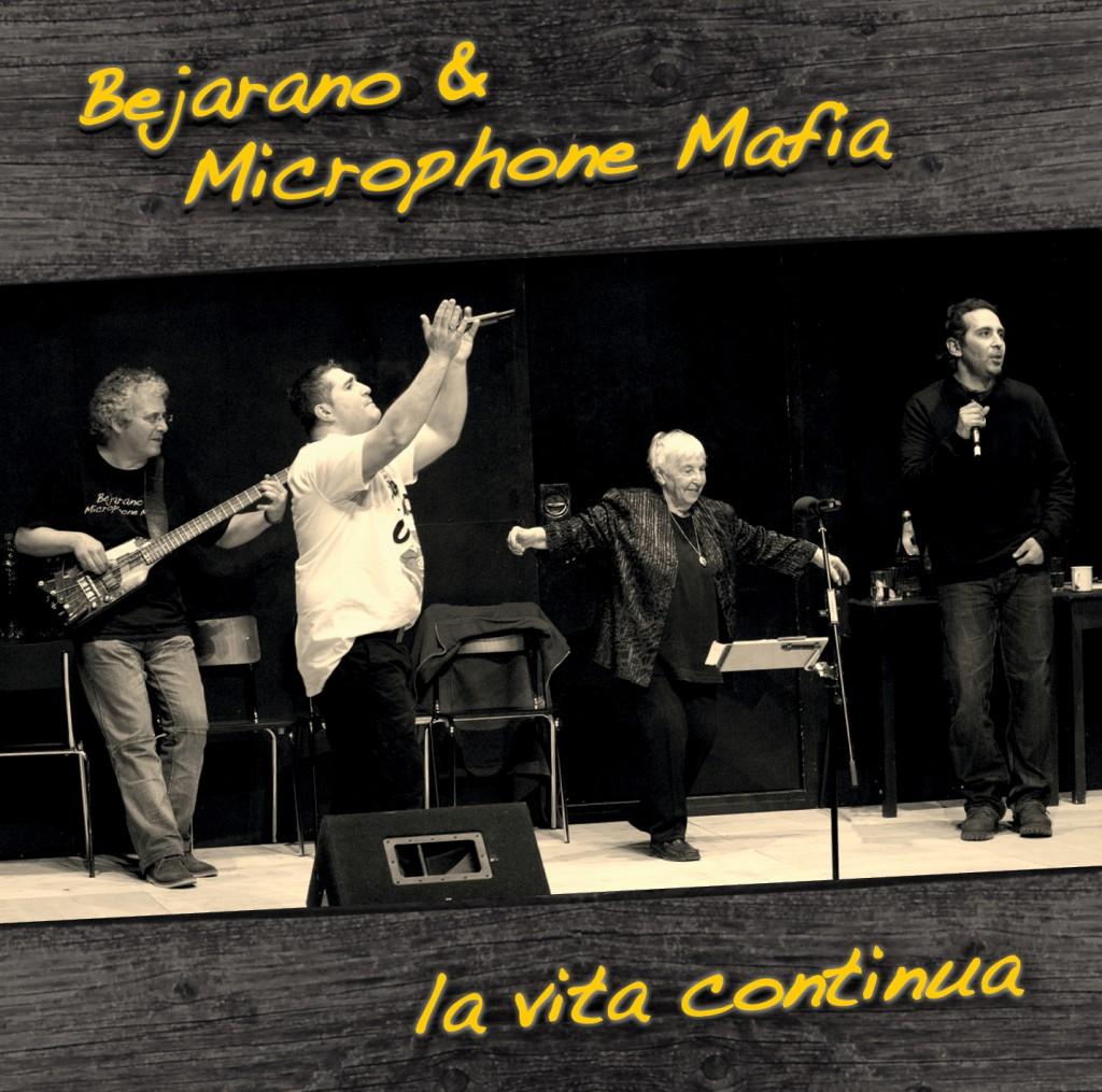 Esther Bejarano und die Kölner Hip-Hop-Combo Microphone Mafia