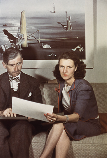 Peggy Guggenheim and Herbert Read 1939 in London Bild: Giséle Freund Peggy Guggenheim Collection Archives, courtesy IKONA Gallery- Venice
