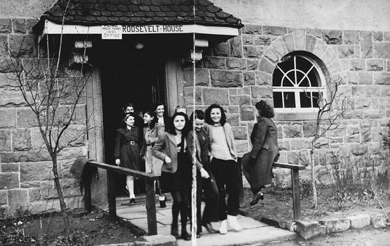 Ein Haus auf dem Schwarzacher Hof wurde nach dem 1945 verstorbenen US-amerikanischen Präsidenten Franklin Delano Roosevelt benannt.
