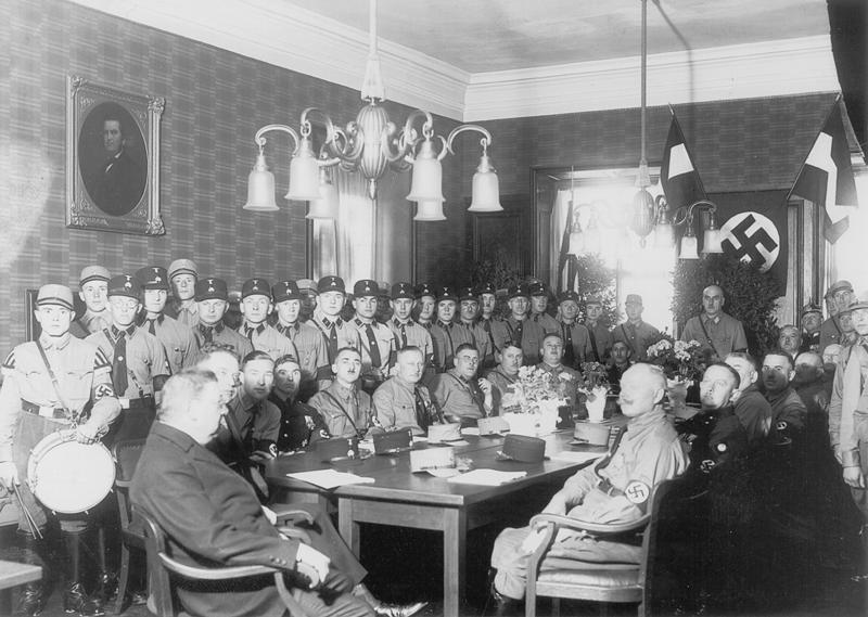 Erste Sitzung des neu gebildeten Stadtrats, 27. April 1933,© Stadtarchiv Gunzenhausen