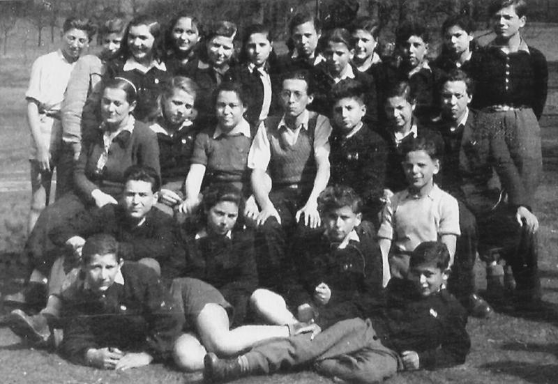Jüdische Waisenkinder im Children's Center Ansbach-Strüth. Repro: nurinst-archiv