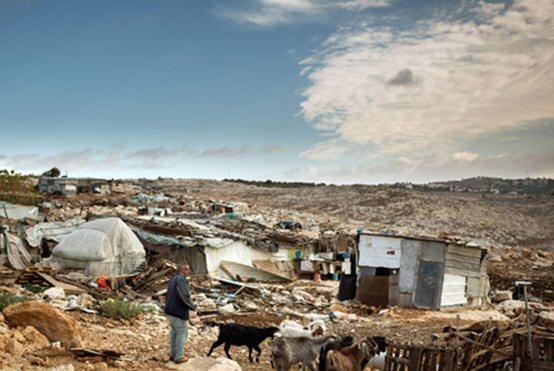 Die improvisierten Blechhütten der verarmten Landbevölkerung sind immer wieder von Abriss bedroht, hier in Arab ar-Ramadin/Westbank