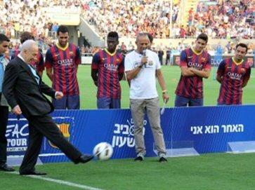 Präsident Shimon Peres empfängt den FC Barcelona
