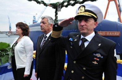 Staatsminister Shani und Admiral Rotberg mit der INS Rahav